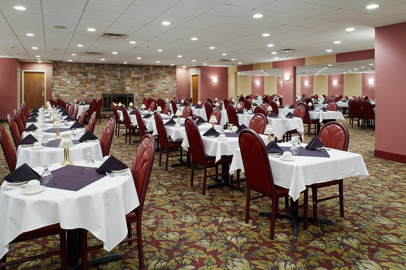 Dining At Paradise Stream Poconos Mountains Cove Haven
